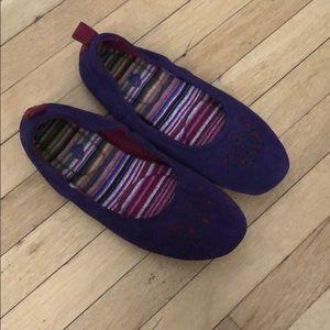 Women's sz 9 Acorn ballet slippers
